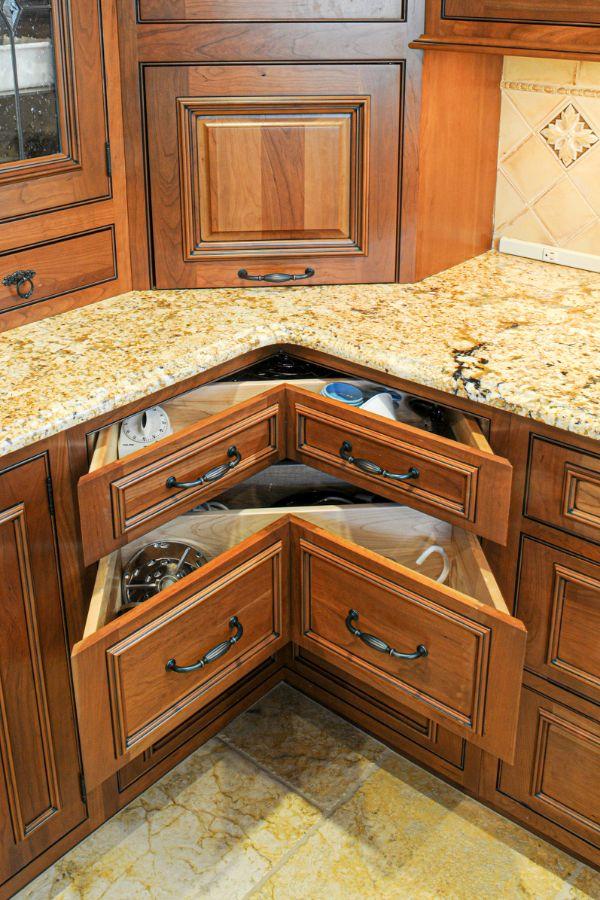 46+ Corner Kitchen Cabinets Ideas That Optimize Your ...